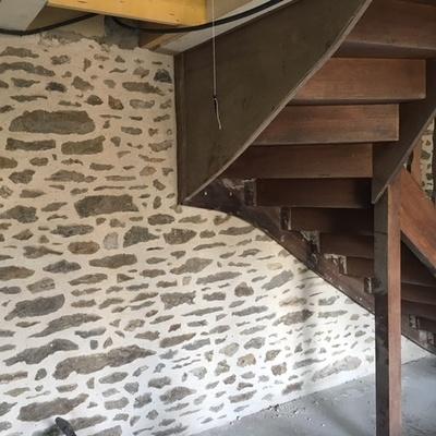Joint Chaux intérieur et percement mur avec renfort acier - Chantier Dinard