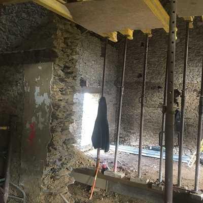Rénovation de l''extension d''une maison en pierre