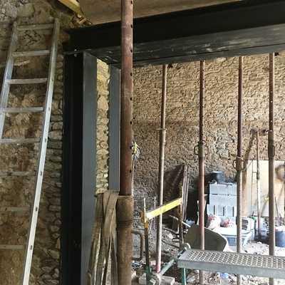 Rénovation et extension d''une maison en pierre