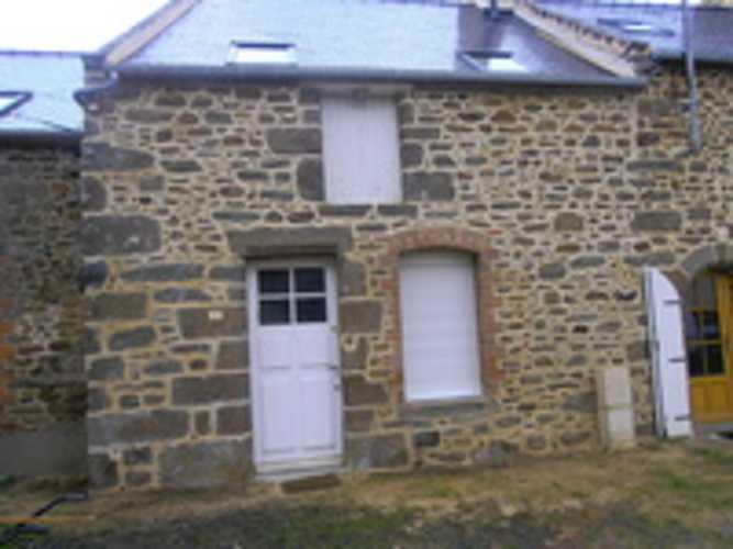Nettoyage et jointement de pierres façade maison 0