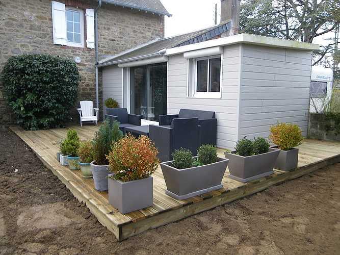 Pilier de cloture béton et terrasse bois pour rénover cette maison en pierre imgp0004