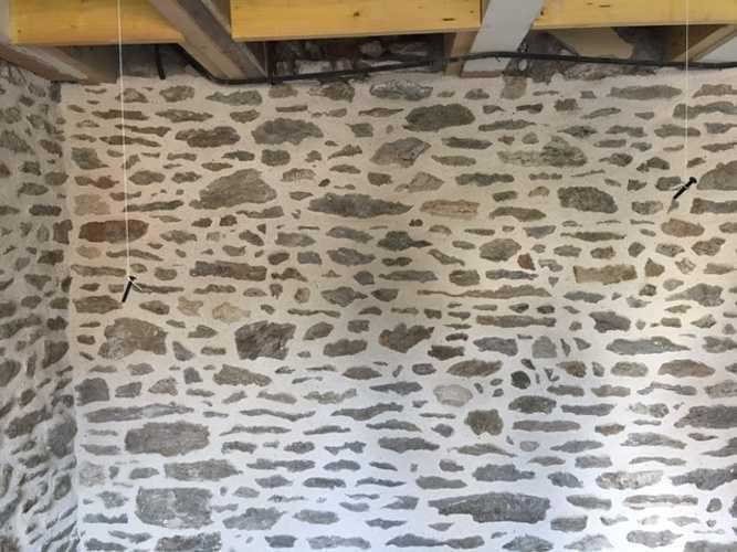 Joint Chaux intérieur et percement mur avec renfort acier - Chantier Dinard img0908